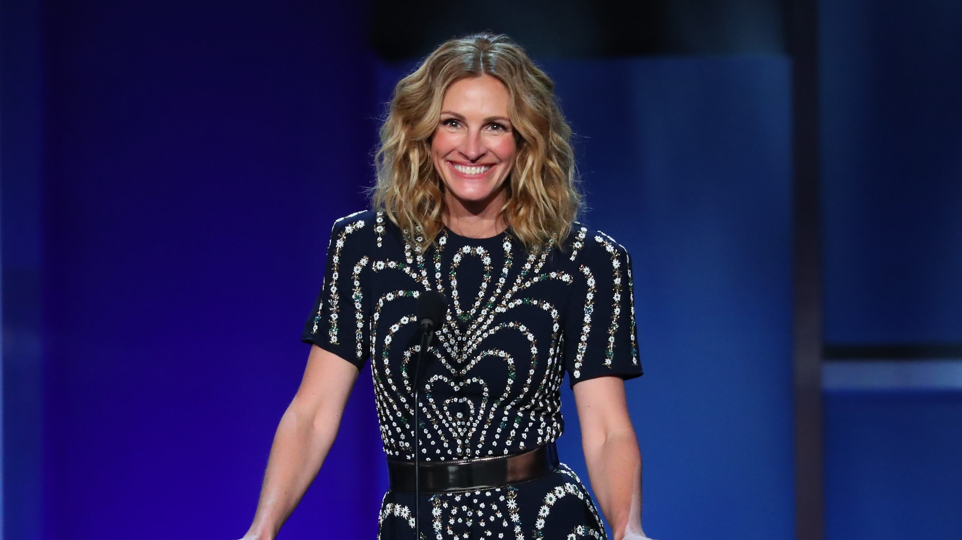 Julia Roberts 'Never Felt Pressure' to Perform After Becoming Hollywood's Highest-Paid Actress: 'I'll Be Part of the Party'