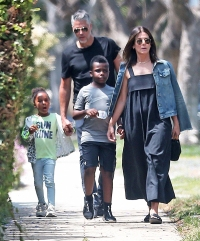 Sandra Bullock and Bryan Randall Walk With Kids to Party ...