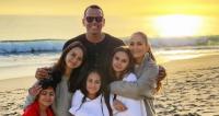 jennifer lopez and alex rodriguez blended family