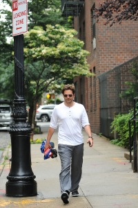 bradley-cooper-spotted-out-in-new-york-city-following-irina-shayk-split6