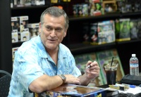 Bruce Campbell signs autographs at Comic-Con