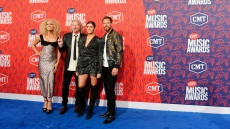 cmt-country-music-awards-red-carpet-little-big-town