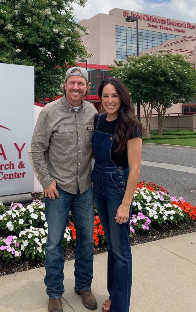 joanna-gaines-chip-gaines-st-jude