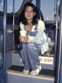 sandra-bullock-gets-bus-drivers-test-to-promote-speed-1994.