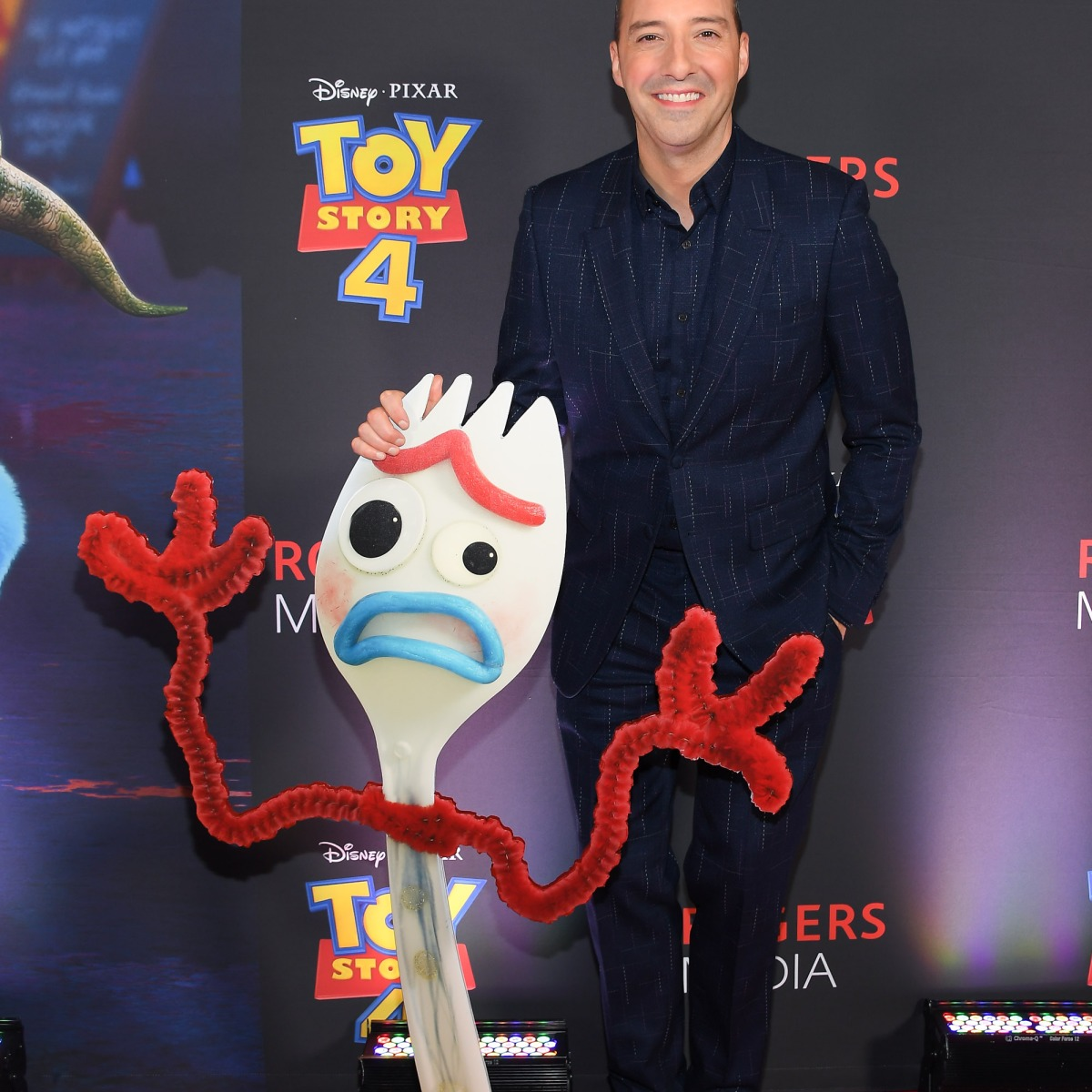 who does the voice of forky
