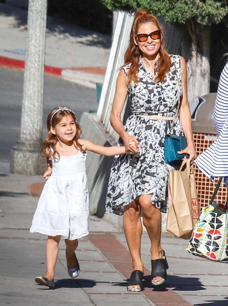Eva Mendes Goes Shopping With Daughter Esmeralda in L.A ...
