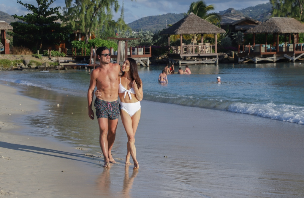 Val-Chmerkovskiy-Jenna-Johnson-honeymoon