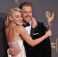 Julianne Hough Fun Facts About The Dwts Professional Dancer
