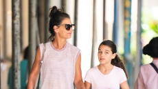 katie-holmes-suri-cruise-upper-west-side-new-york-city