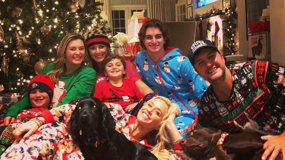 Luke Bryan and Wife Caroline: Meet Their Kids, Nieces and ...