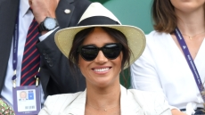 meghan-markle-gold-a-necklace