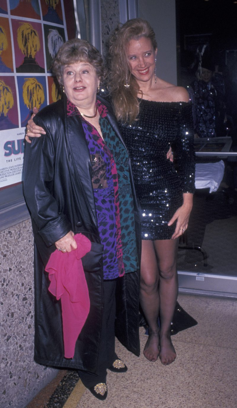 Shelly Winters and Sally Kirkland