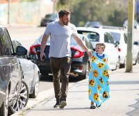Ben Affleck gives Samuel a piggyback ride after baseball practice