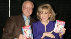 barbara-eden-larry-hagman-main