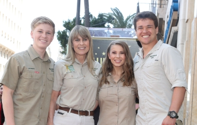 bindi-irwin-shares-sweet-appreciation-post-for-family