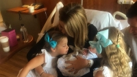 jenna-bush-hager-daughters-meet-baby-brother-birth4