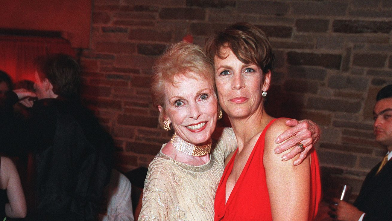 Jamie Lee Curtis Reveals How Her Mom Janet Leigh Taught Her to Give Back