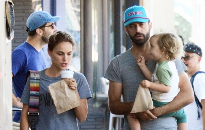 Natalie Portman Family Breakfast