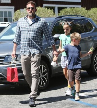 Ben Affleck and kids at the Country Martin Los Angeles