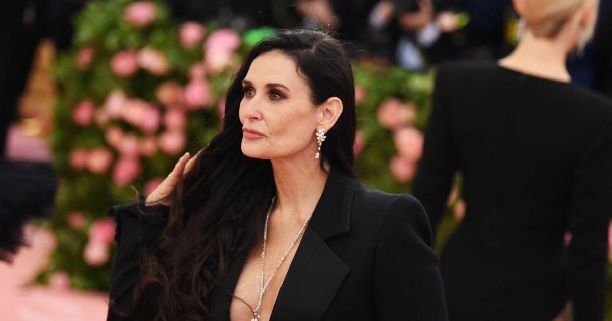 Demi Moore Dating: Act...