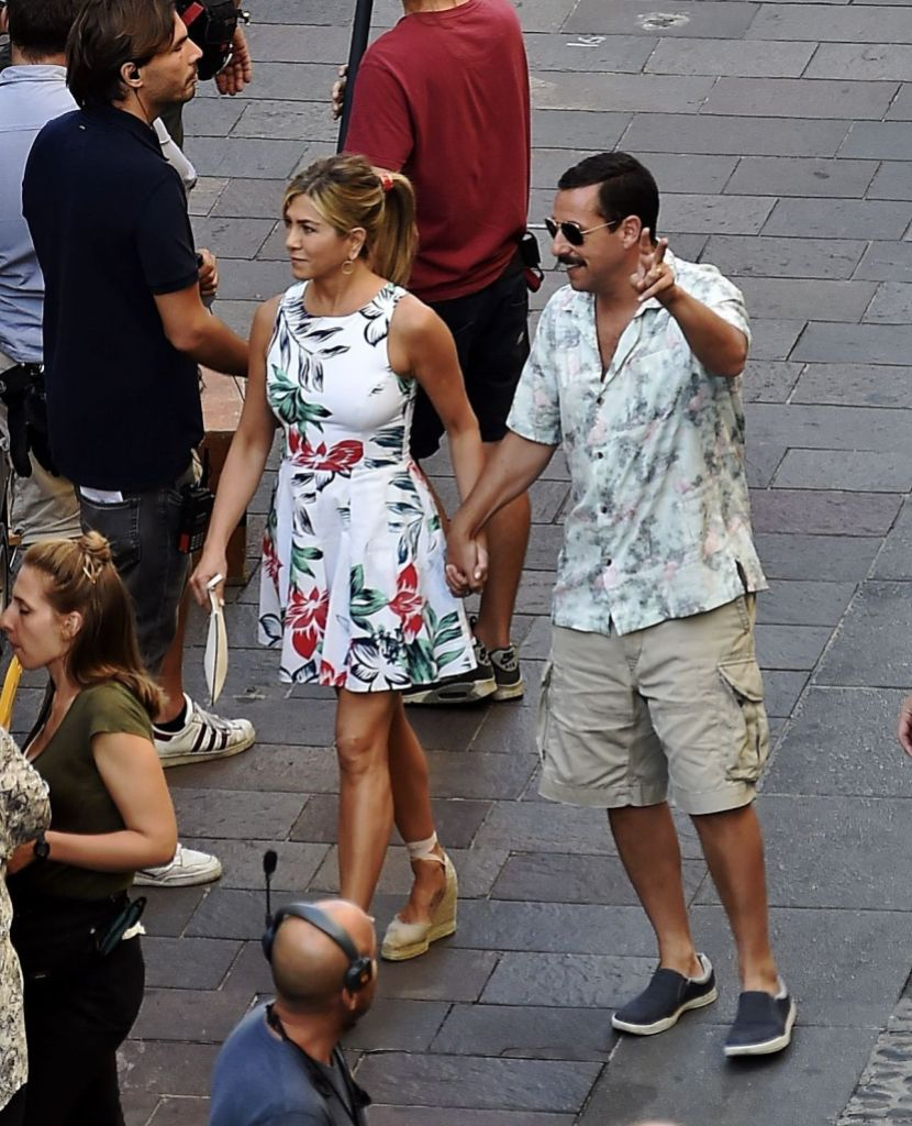 jennifer-aniston-adama-sandle