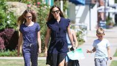jennifer-garner-leaves-sunday-church-service-with-her-3-kids