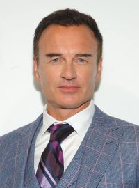 Julian McMahon in a Suit at the 2019 CBS Upfront Presentation in NYC