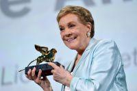 julie-andrews-recieves-golden-lion-Lifetime-Achievement-Award-Venice-Film-Festival