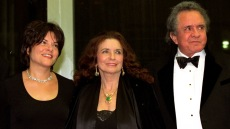 roseanne-cash-dad-johnny-cash-mom-june-cash-affair