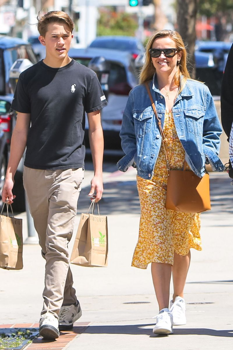 Reese Witherspoon and son deacon