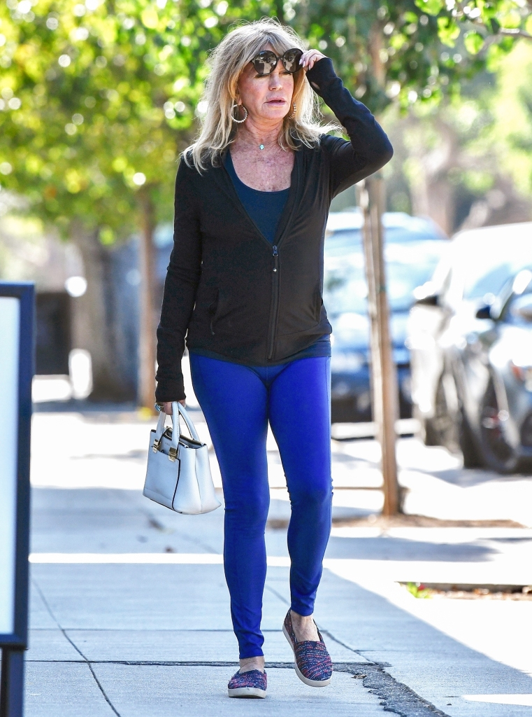 Goldie Hawn Glowing Shopping Brentwood