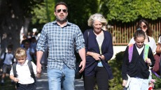 Ben Affleck picking up his children with his mother in Los Angeles