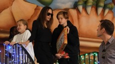 Angelina Jolie goes shopping in a bookstore with her children in Rome