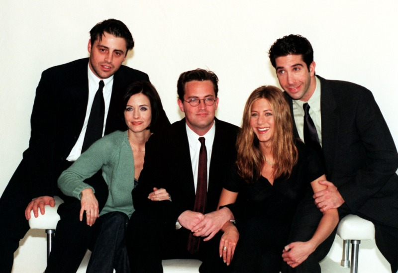Cast Of Television Programme Friends In London To Film A Special Of The Us Sitcom. (l-r) Matt Le Blanc Courteney Cox Matthew Perry Jennifer Aniston And David Schwimmer.