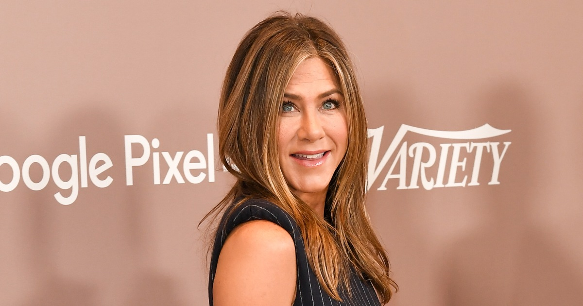 Jennifer Aniston Finally Joins Instagram — and Shares First-Ever Post With the 'Friends' Cast!