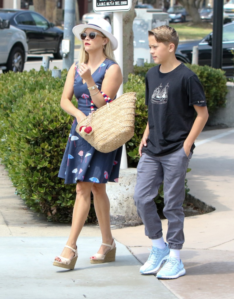 reese witherspoon son deacon