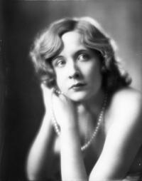 vivian-vance-portrait-1930