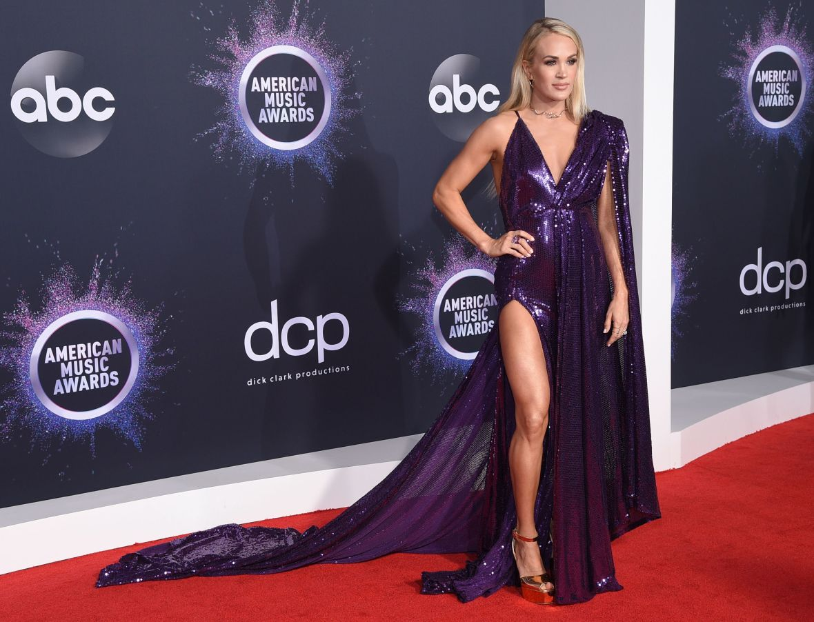 Carrie Underwood Wears Purple on the 2019 AMAs Red Carpet