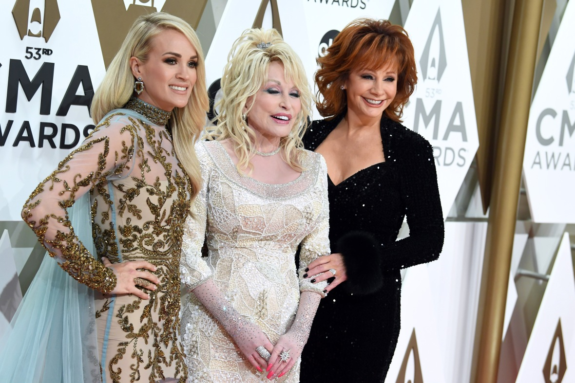 Carrie Underwood, Dolly Parton and Reba McEntire at the CMAs 2019 Red Carpet
