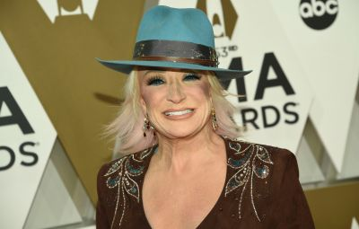 Tanya Tucker With Pink Hair at the 2019 CMAs