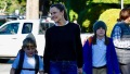 Jennifer Garner treating her kids for manicure .