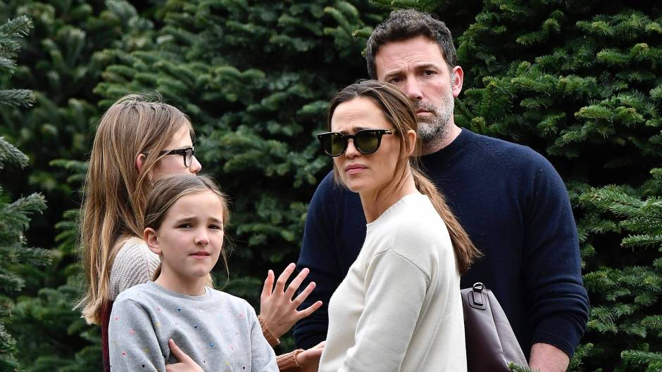 Ben Affleck and Jennifer with the kids picking a Christmas tree.