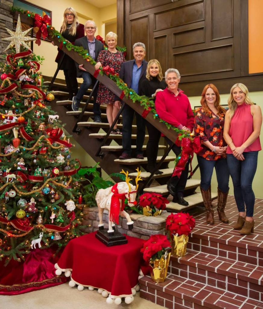 The Pioneer Woman Ree Drummond and 'The Brady Bunch' Cast on 'A Very Brady Renovation: Holiday Edition'