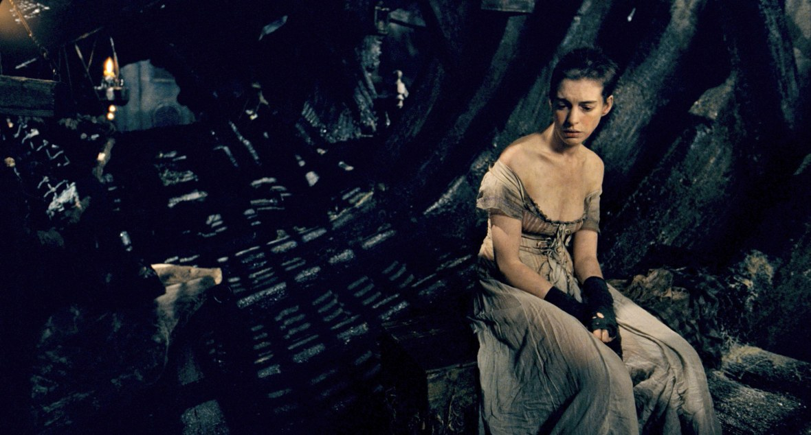 Anne Hathaway Singing 'I Dreamed a Dream' as Fantine in 'Les Misérables'