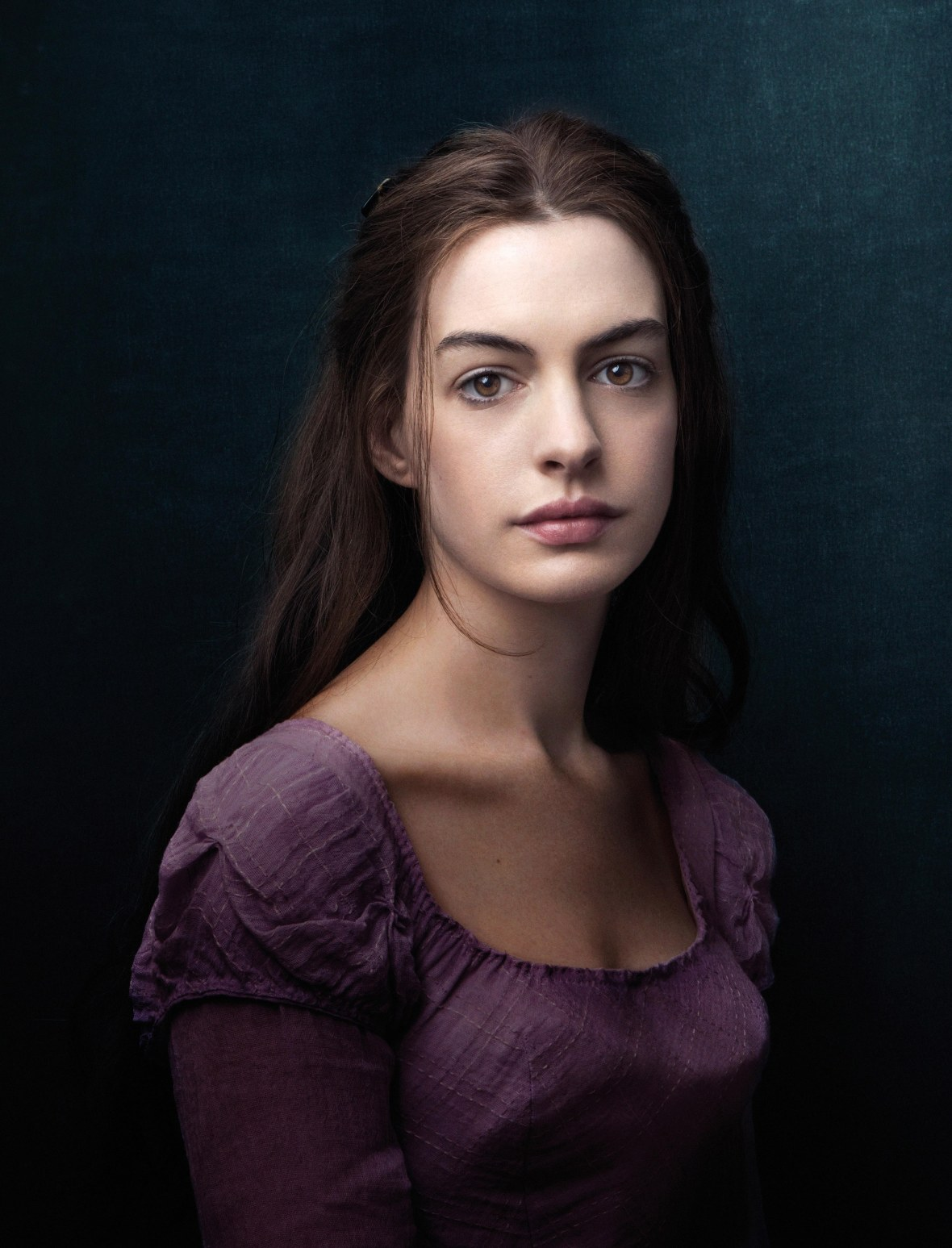 Anne Hathaway as Fantine With Long Hair in 'Les Misérables'