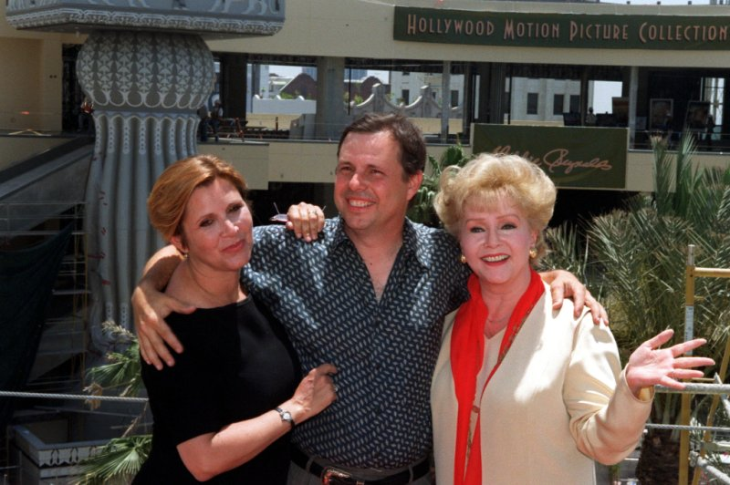 Carrie Fisher debbie reynolds todd fisher