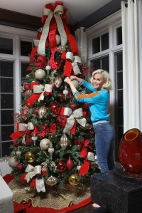Jenny McCarthy Getting Her House Ready For Christmas