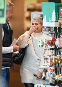 Selma Blair holiday shopping