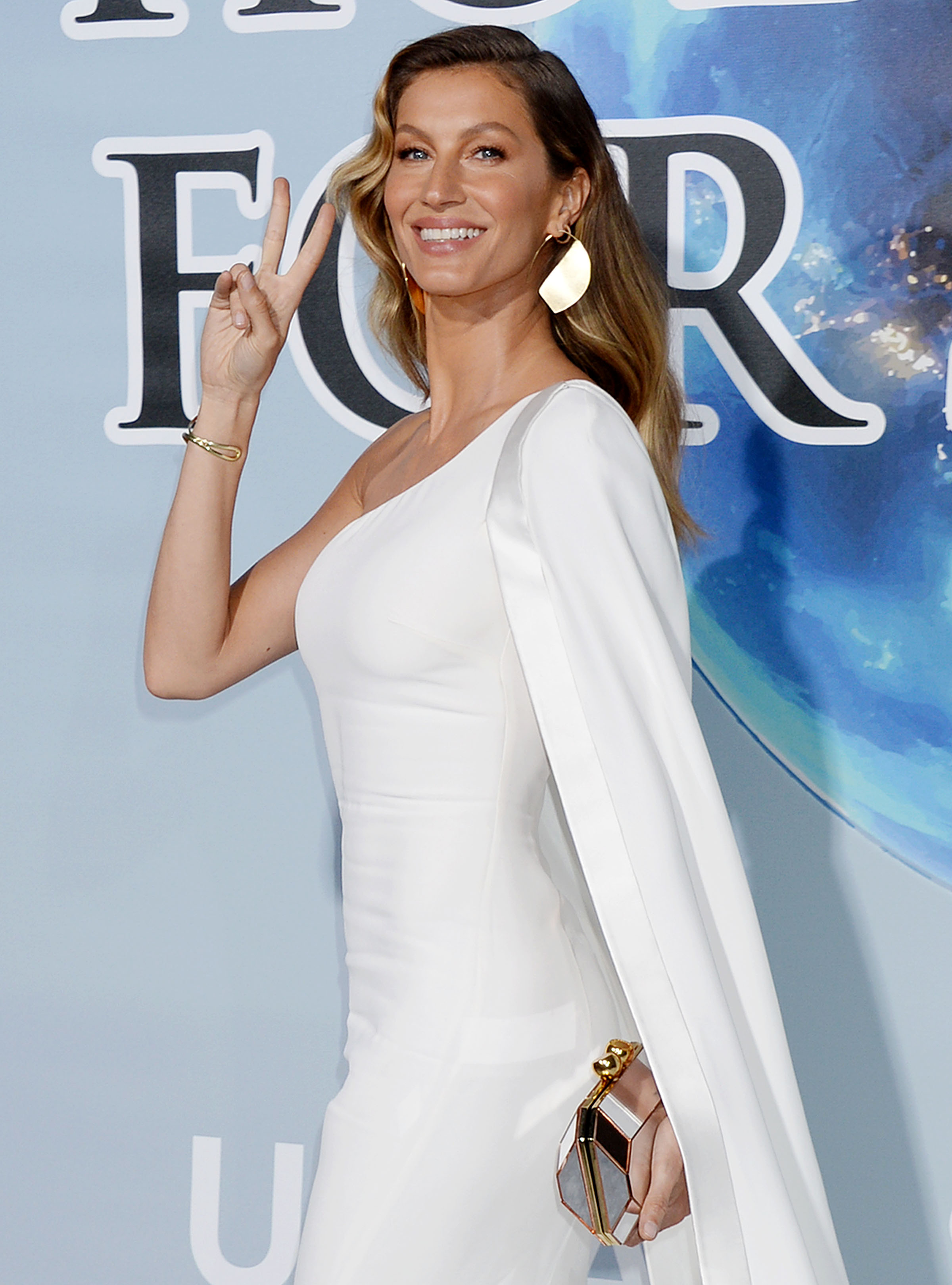 Gisele Bündchen Talks Importance of Being 'Present' for Her Family: It 'Leads to Fulfillment'