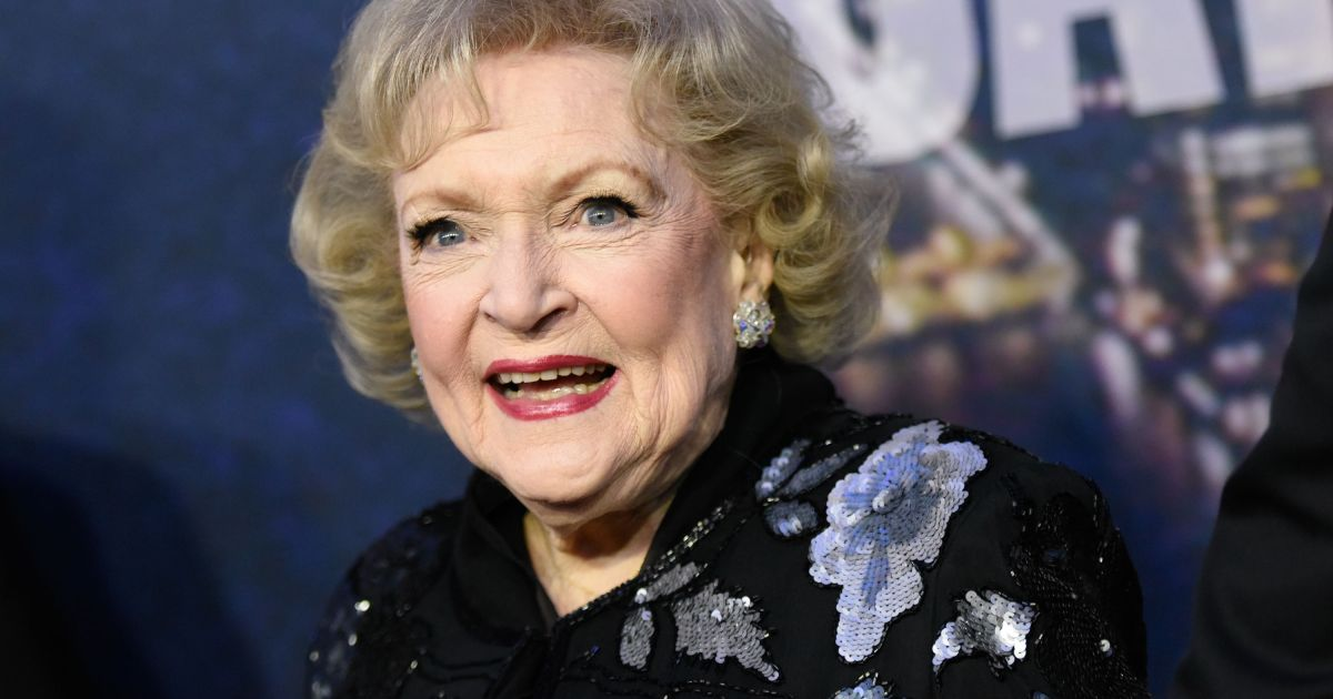 Betty White Is Planning a 'Fun' 98th Birthday Party ...